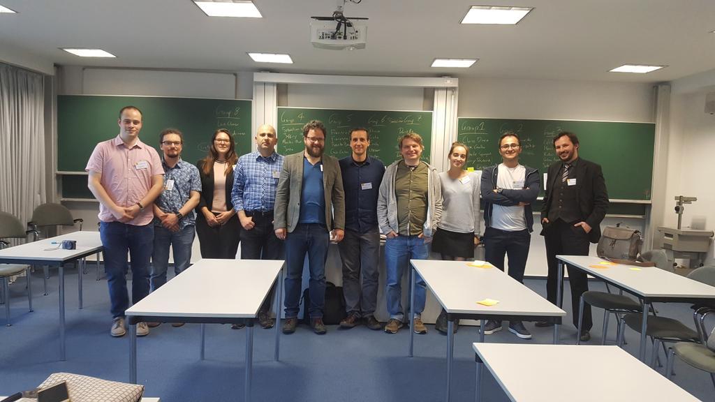 Organizes and tutors of the datathon